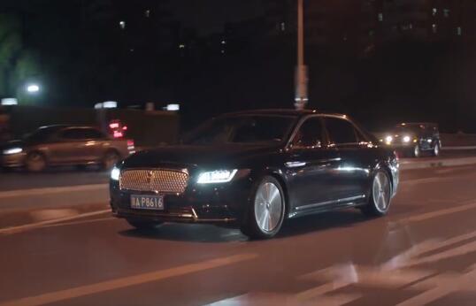 《精英律师》中罗槟开的车是什么牌子的